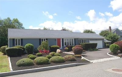 Barrington Single Family Home For Sale: 12 Northwest Psge
