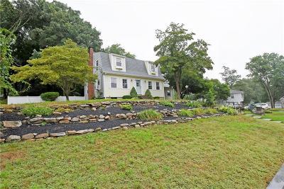 East Providence RI Single Family Home For Sale: $359,000