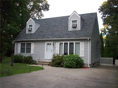 South Kingstown Single Family Home For Sale: 28 Bow And Arrow Trl S