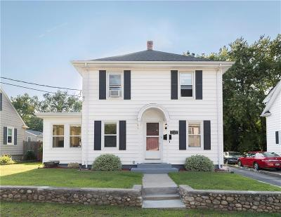 Woonsocket Single Family Home For Sale: 251 Bailey St