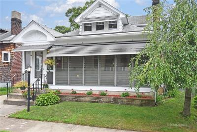 Cranston Single Family Home For Sale: 88 Rugby St