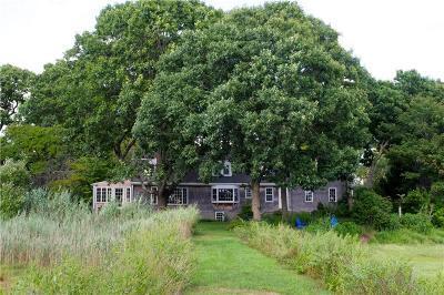 Barrington Single Family Home For Sale: 39 Meadowbrook Dr
