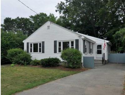 Warwick Single Family Home For Sale: 1044 Narragansett Pkwy