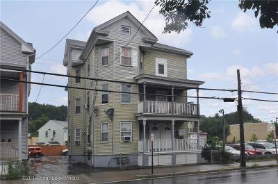 Providence RI Multi Family Home For Sale: $276,000