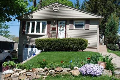 North Providence RI Single Family Home For Sale: $214,900
