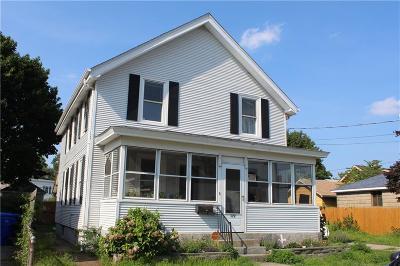 Pawtucket Single Family Home For Sale: 172 Oakland Av