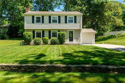 Cumberland Single Family Home For Sale: 5 Marywood Lane