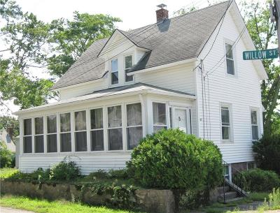 East Providence RI Single Family Home For Sale: $119,000