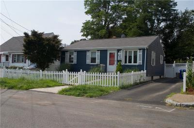 Pawtucket RI Single Family Home For Sale: $219,900