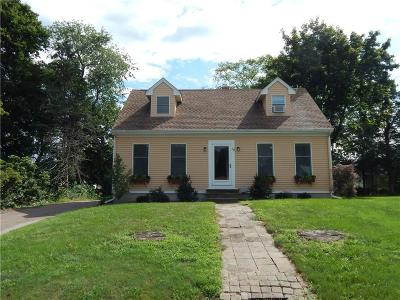 Westerly Single Family Home For Sale: 18 Nichols Lane