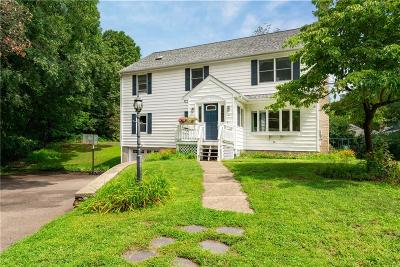 Cumberland Single Family Home For Sale: 41 Nicholas Dr