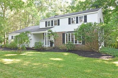 North Kingstown Single Family Home For Sale: 50 Hillcrest Dr