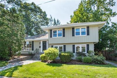 East Providence Single Family Home For Sale: 4 Saint Michaels Ct