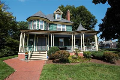 Woonsocket Single Family Home For Sale: 351 Winter St