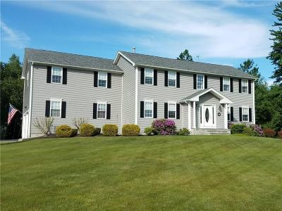 Cranston Single Family Home For Sale: 10 West Bluebird Lane Lane