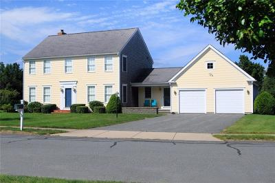 Middletown Single Family Home Act Und Contract: 16 Paddock Lane
