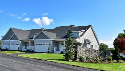 Middletown Condo/Townhouse For Sale: 8 Thelma Lane, Unit#7 #7