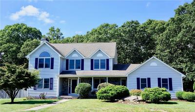 South Kingstown Single Family Home For Sale: 38 Dawn Ct