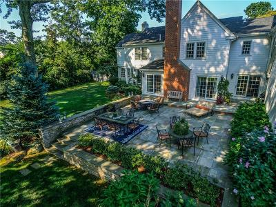 Barrington Single Family Home For Sale: 204 Rumstick Rd
