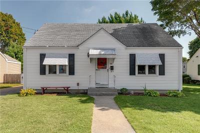 Pawtucket Single Family Home For Sale: 186 Burgess Av