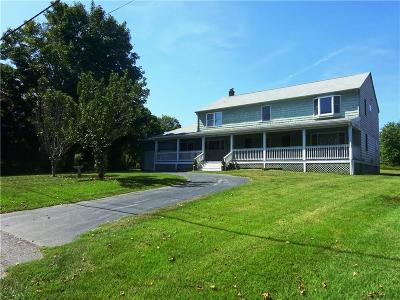 Portsmouth Single Family Home For Sale: 459 Wapping Rd