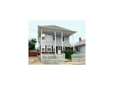 Pawtucket Multi Family Home Act Und Contract: 28 Elder St