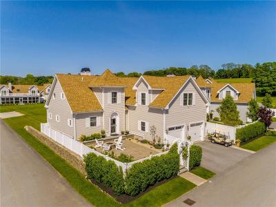 Portsmouth Single Family Home For Sale: 113 Newport Harbor Dr