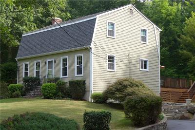 Burrillville Single Family Home For Sale: 635 Maureen Cir