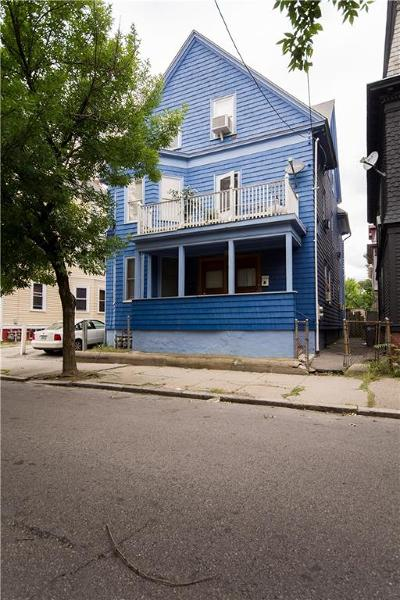 Providence RI Multi Family Home For Sale: $320,000