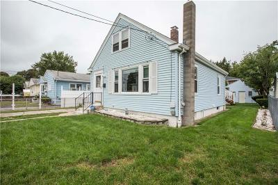 Providence RI Single Family Home For Sale: $179,000