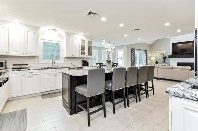 Scituate Single Family Home For Sale: 410 Trimtown Rd