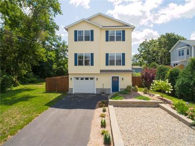 Warwick Single Family Home For Sale: 128 Charlotte Dr
