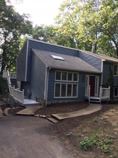 Coventry Single Family Home For Sale: 336 Station St