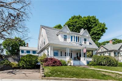 East Greenwich Single Family Home For Sale: 25 Spring St