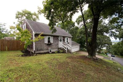 Tiverton Single Family Home Act Und Contract: 15 Bismark Av