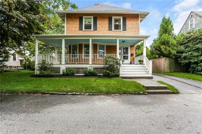 Cranston Single Family Home For Sale: 10 Fairview Av