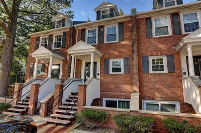 Providence County Condo/Townhouse For Sale: 546 Angell St, Unit#2b #2B