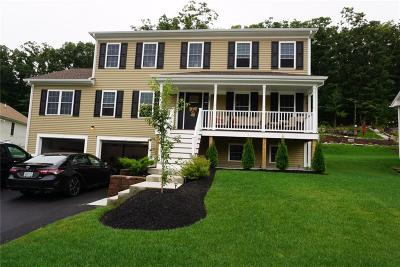 Providence County Single Family Home For Sale: 98 Gauthier Dr