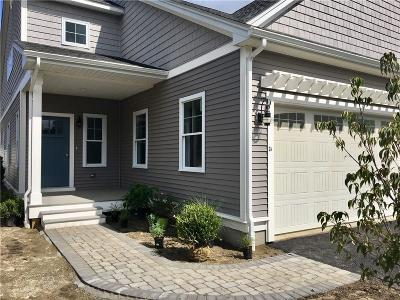 Providence County Condo/Townhouse For Sale: 300 Stillwater Rd, Unit#4a #4A