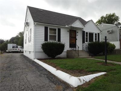 Johnston Single Family Home For Sale: 44 Pocasset St