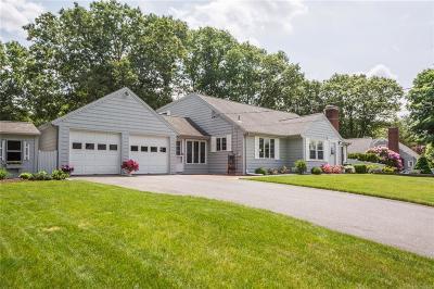 Providence County Single Family Home For Sale: 20 Esek Hopkins Lane