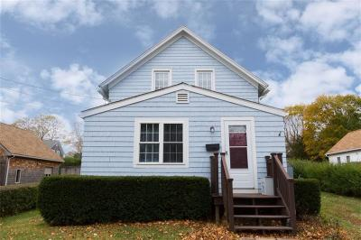 Jamestown Single Family Home For Sale: 7 Lawn Avenue