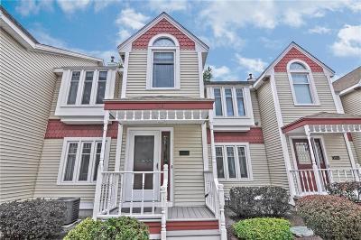 Cumberland RI Condo/Townhouse For Sale: $215,000
