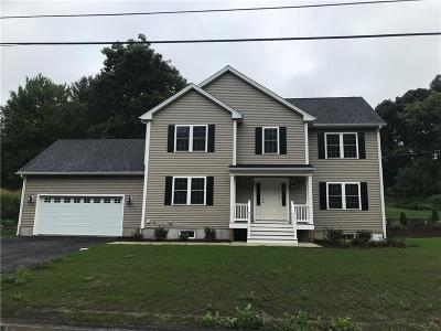 Providence County Single Family Home For Sale: 53 Kennedy Ct