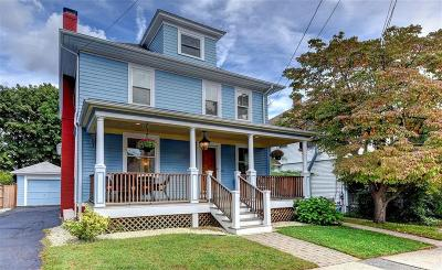Providence County Single Family Home For Sale: 72 Overhill Rd