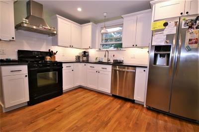 North Providence RI Single Family Home For Sale: $239,900