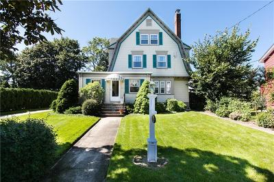 Cranston Single Family Home For Sale: 1347 Narragansett Blvd