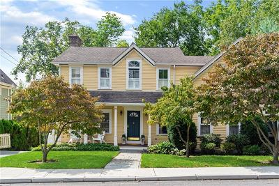 East Greenwich Single Family Home For Sale: 14 Somerset St