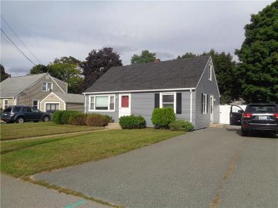 Warwick Single Family Home For Sale: 48 Oak Tree St