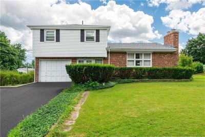Cumberland RI Single Family Home For Sale: $259,900